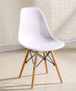 Ghế eames màu trắng