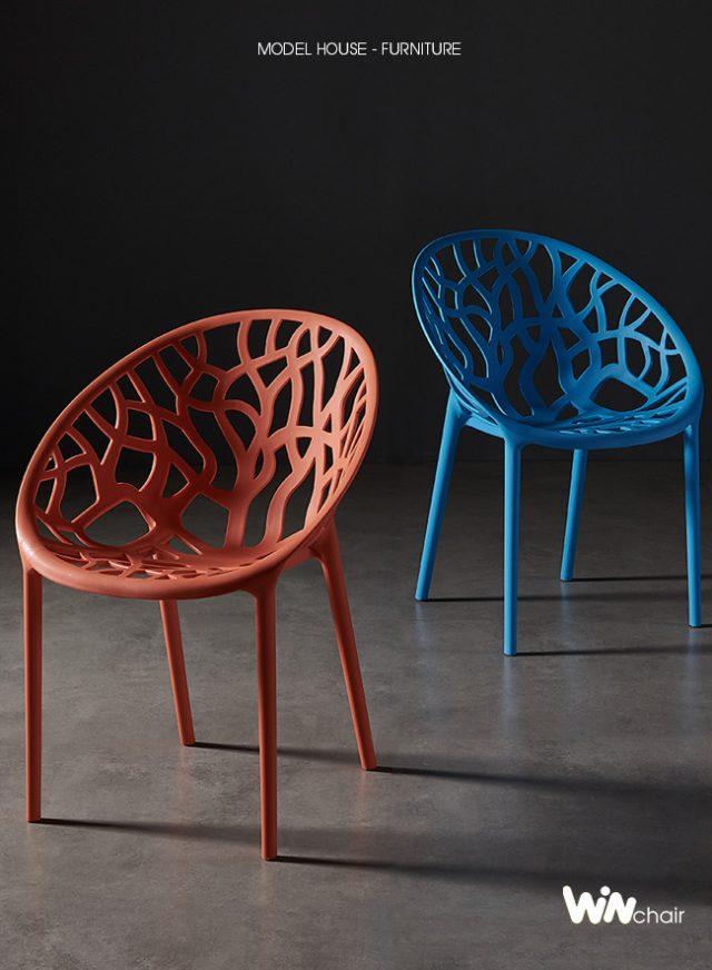 Ghế nhựa Crystal màu đỏ và màu xanh dương