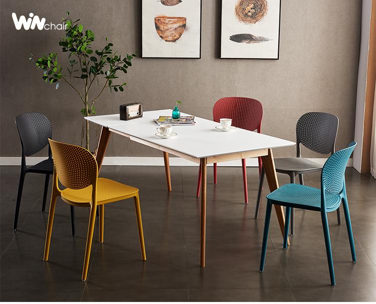 Bộ bàn ăn 6 ghế nhựa Ponny rất gọn và tiết kiệm diện tích