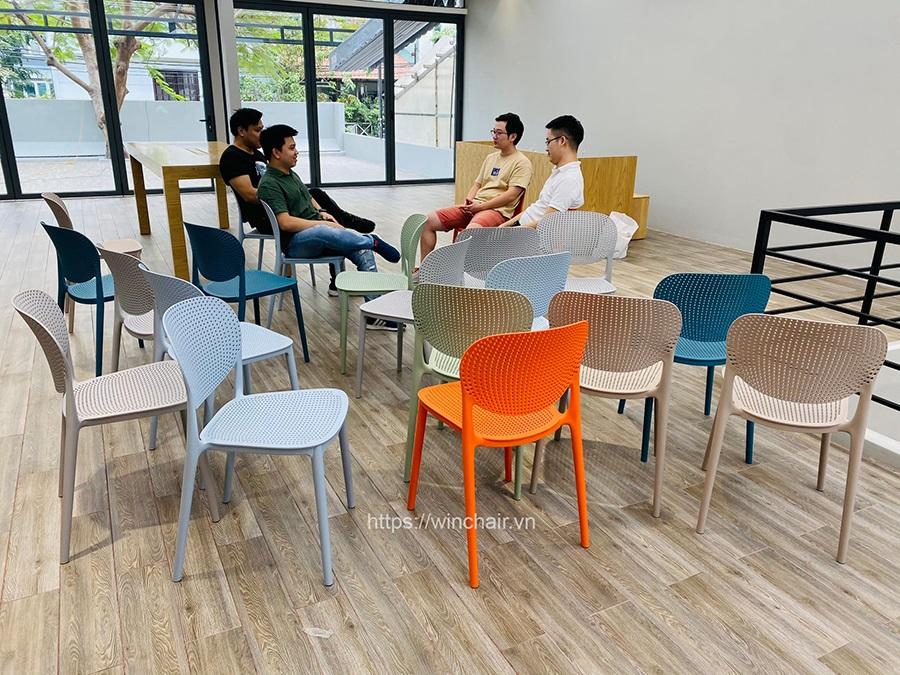 Ghế nhựa đúc Ponny chair hiện đại