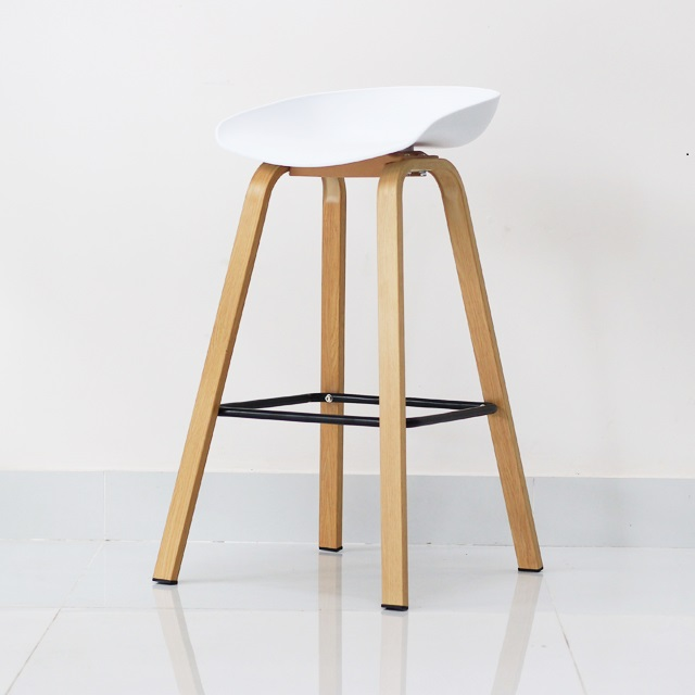 Ghe-quay-bar-Malis-stool-mau-trang